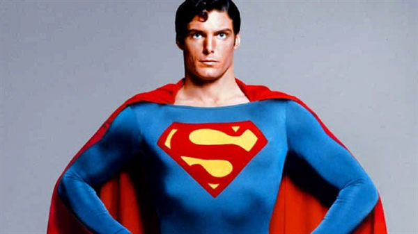 بازیگر مطرح فیلم های سوپر من Christopher Reeve تحصیل کرده دانشگاه کرنل
